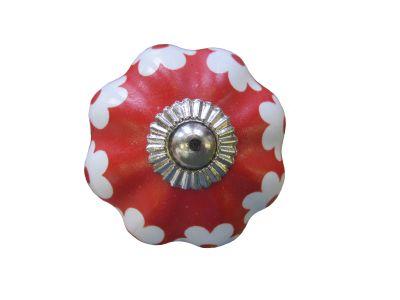 Posliininuppi punainen valkoisin kukkakuvioin